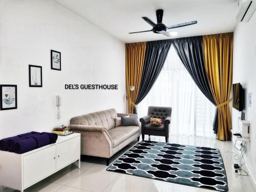 Del's Guesthouse @ Southville Same Level with Pool fits 8, Hulu Langat