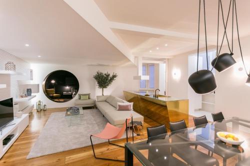Koru Central Downtown Design Apartment, Porto
