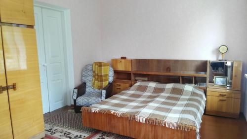 separate [ROOM] homestay in a [private house], facilities SHARED with owner, Berdychivs'ka