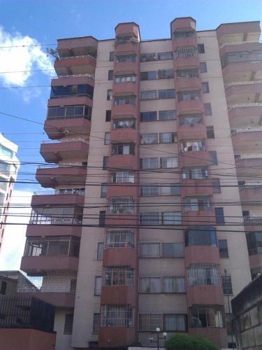 Habitacion en apartamento con todos los servicios buena ubicacion, Cárdenas