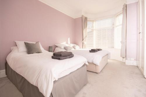 CONTRACTOR 4 BED DIGS Dwellcome Home South Shields, South Tyneside