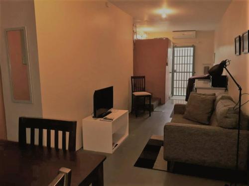 Warm 1-Bedroom Annex, Woodbrook,