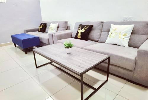 3 Min To BP Mall,Old Street,3R3B For 10 Guest, Batu Pahat