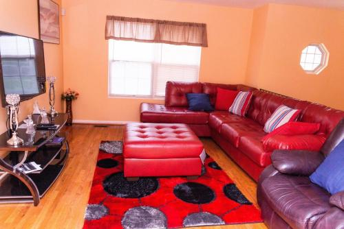 Gorgeous & Elegant 3Bedrooms 2Full-bath Upper Level of a single home, Prince George's