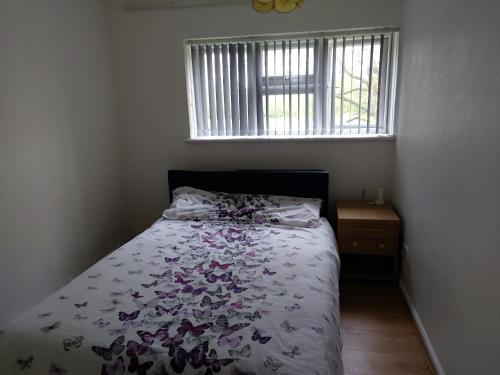 Relaxing double bedroom, London