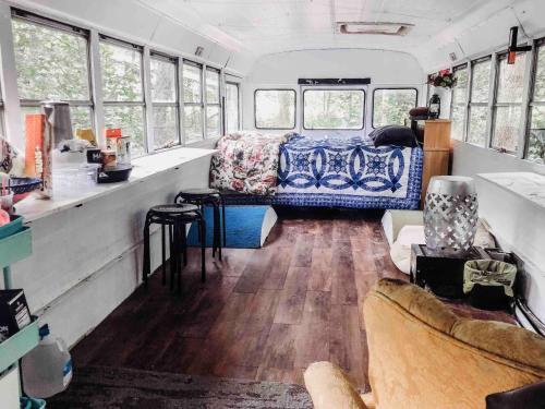 Bus#23 Bunk House, Pulaski