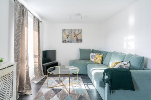 Suites by Rehoboth - Abbey Wood Station - London Zone 4, London