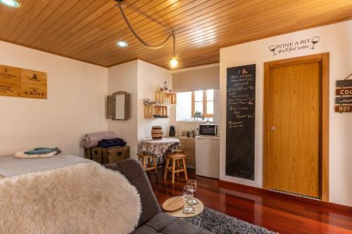 Wine Inn Studio, Sintra