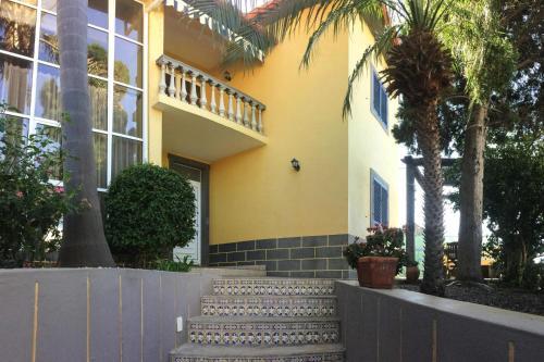 Holiday Home Jardim do Mar - FNC04100a-FYE, Calheta