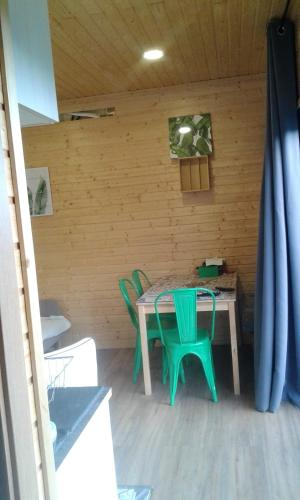 Bungalow with one bedroom in Cinfaes with wonderful mountain view furnished balcony and WiFi, Cinfães