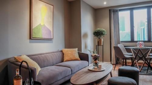 65m2 condo only 500m from BTS Nana, Ratchathewi