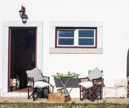 House with one bedroom in Buarcos with wonderful sea view furnished garden and WiFi 4 km from the be, Figueira da Foz