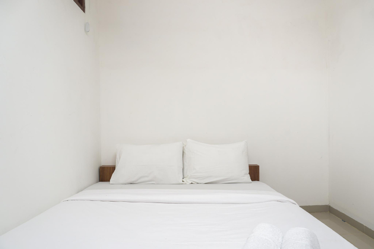 Minimalist Studio 1st Floor at Meruya 8 Puri Kembangan By Travelio, Jakarta Barat