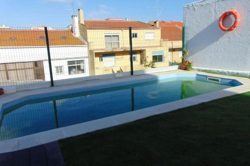 Apartment with 2 bedrooms in Almada with shared pool enclosed garden and WiFi 5 km from the beach, Almada