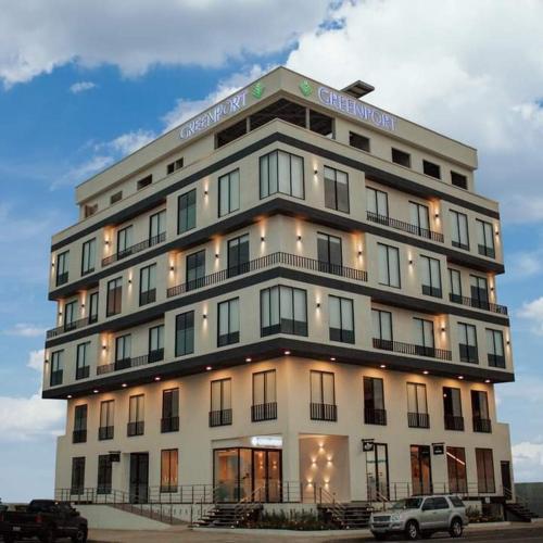 Greenport Hotel & Suites, Machala