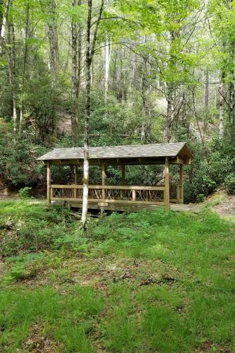Upscale Rural Getaway Hike, Fish and Relax!, Jackson