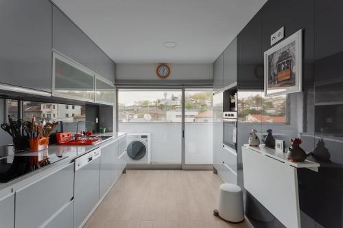Castelo Point - 2BR Luxe Apartment in the Heart of Guimaraes, Braga