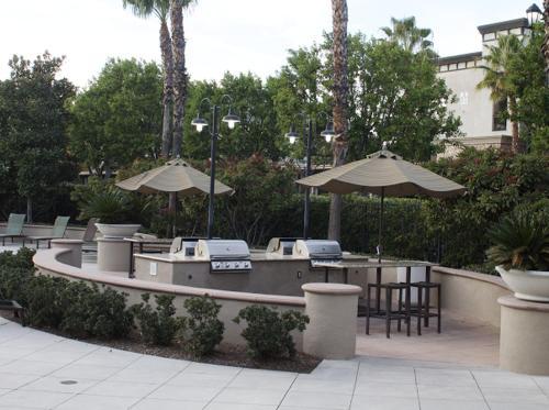The Ontario LUX with Relaxing Breezy Palm Tree Views, San Bernardino