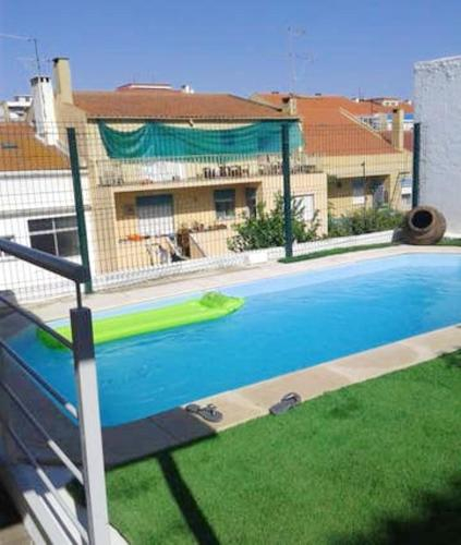 Apartment with 3 bedrooms in Almada with shared pool enclosed garden and WiFi 5 km from the beach, Almada