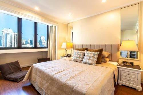 Premium 2 Bedroom Suite Omni Tower Nana Sukhumvit Bangkok, Ratchathewi