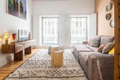 Ethnic Eclectic Apartment in Porto by Cozzy Homes, Porto