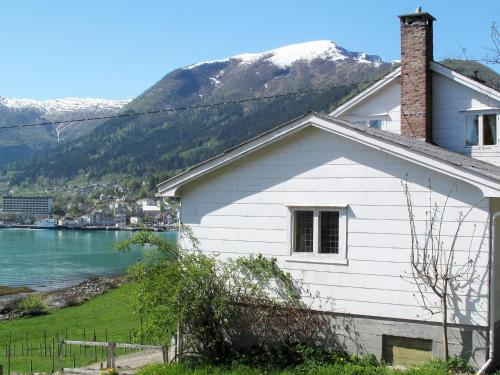 Holiday Home Tantestova - FJS296, Balestrand