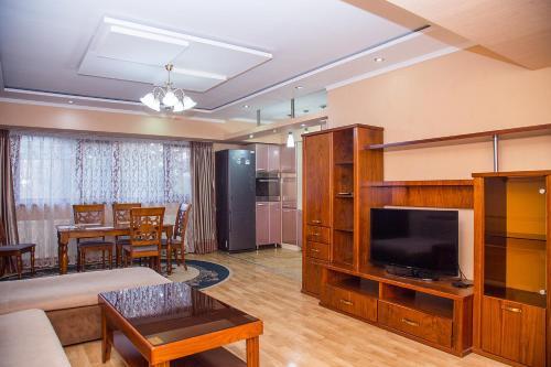 Euro Studio near Amir Timur Square 2-bedroom, Tashkent City