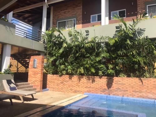 Brisas de San Lorenzo Posada Lounge, Maneiro