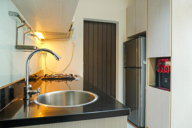Spacious Studio Belmont Puri Apartment By Travelio, West Jakarta