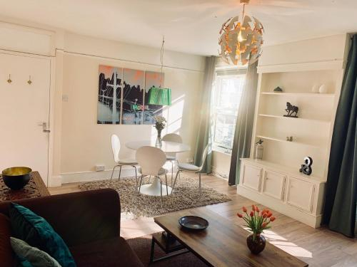 Whole comfortable & cosy private flat, London