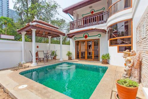 Bali Palms 3BR Private Pool Villa 250m to Beach, Pattaya