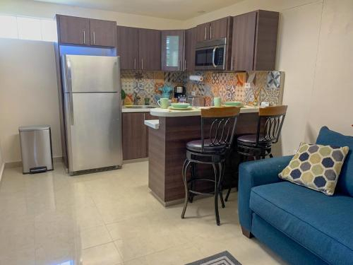 Remodeled apt with patio and laundry. Pet friendly,