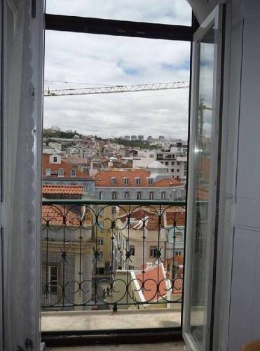 Central & Calm With Great View, Lisboa