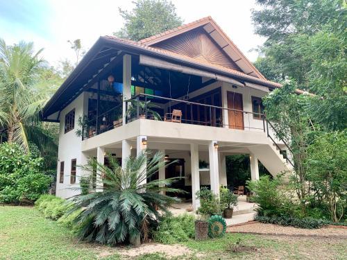 VillaVarin Ko Jum - Nature, Space & Luxury, Nua Khlong