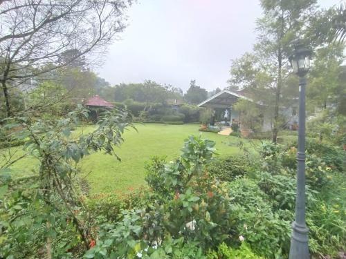 Villa Bany 4 Kamar Billiard, tenis meja Cisarua, Sukabumi