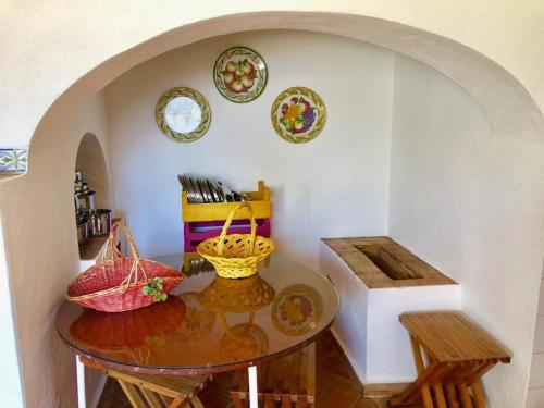 Villa with 6 bedrooms in Loule with wonderful sea view private pool and WiFi 12 km from the beach, Loulé