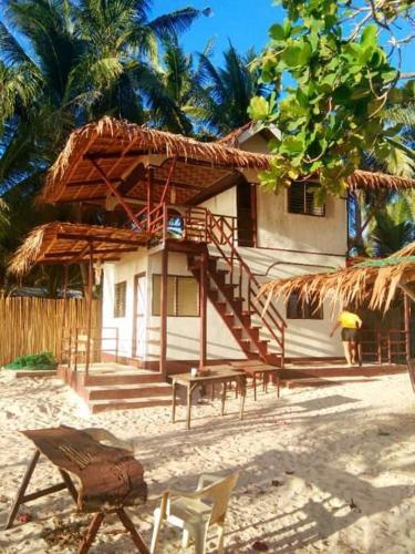 El nido's Baybayon beach front lodge, El Nido