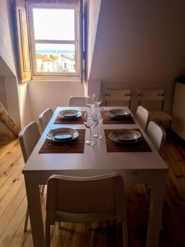 Apartment with one bedroom in Setubal with wonderful city view and WiFi, Setúbal
