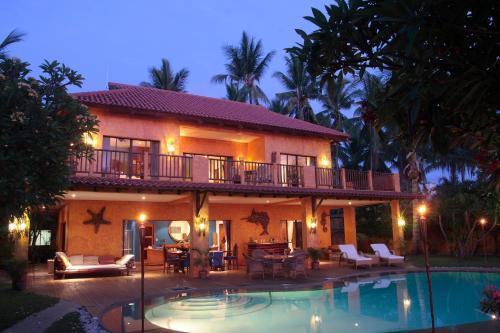 Cebu Beach House, Carmen
