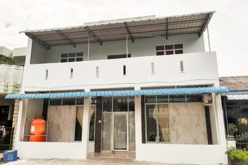 OYO Life 2959 Tachi Stay Guest House 2, Batam