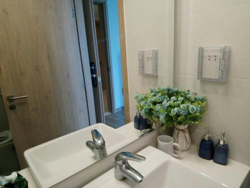 Sapphire Home- 1 Bedroom Lake View Ecopark Apt, Văn Giang