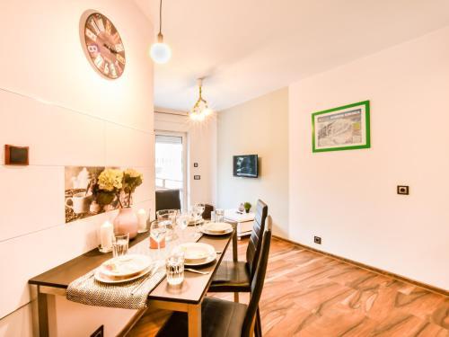 VacationClub – Dworcowa 1A Apartament 10, Jelenia Góra