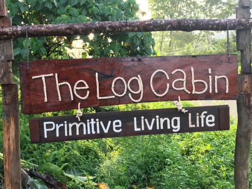 The Log Cabin, Phi Pun