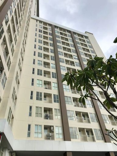 Your cozy getaway staycation vacation Studio Apartment, Tangerang Selatan