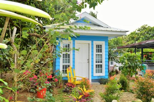 Madeline's Ville A Tiny Homes Enclave, Alfonso