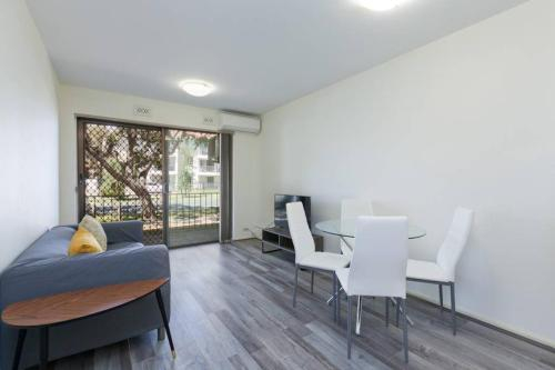 South Perth Perfect Location Free WIFI & Parking, South Perth