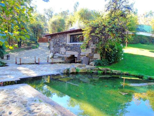 House with one bedroom in Fermil Santa Tecla de Basto with wonderful lake view and shared pool, Celorico de Basto