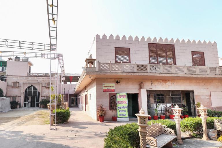OYO 64944 The Royal Palace, Bulandshahr