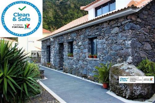 Cottage Quinze, Contemporary designed cottage with Spa / Hot tub, São Vicente