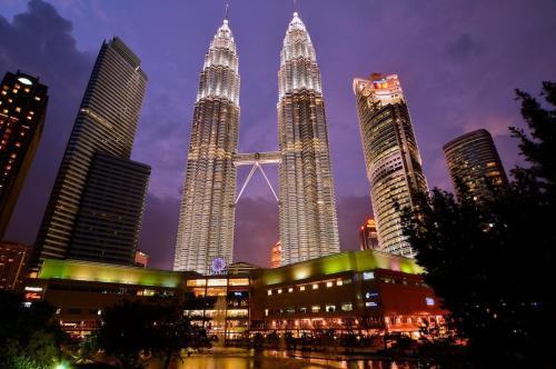 Homely 3BR Ampang Boulevard 3-3, FREE Parking, Kuala Lumpur